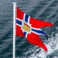 Flagge von Hurtigrutenschiff